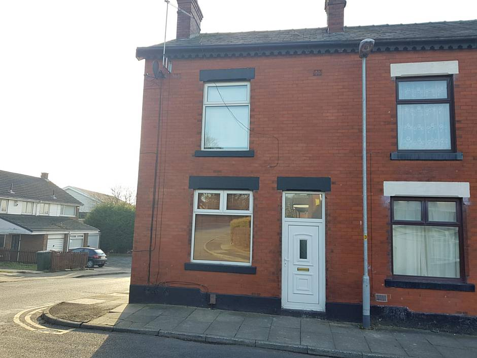 28 Corry Street, Heywood