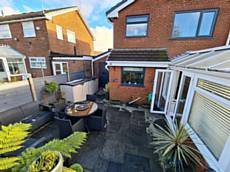 42 Shaftesbury Drive, Heywood